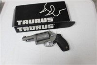 TAURUS ULTRA LITE JUDGE .45/410 REVOLVER