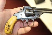 SMITH AND WESSON .32 REVOLVER
