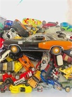 Big Box lot of Hot wheels not in boxes
