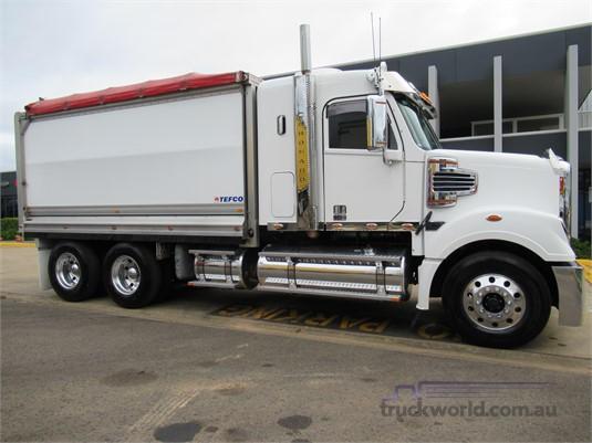 2015 Freightliner Coronado 114 - Trucks for Sale