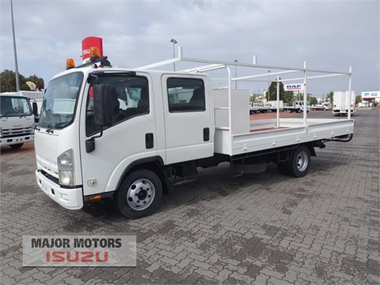 2010 Isuzu NPR Major Motors  - Trucks for Sale