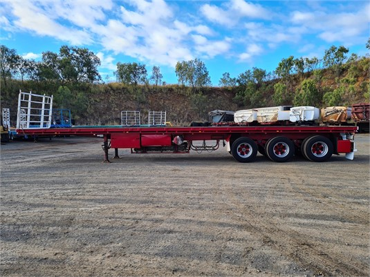 2000 Haulmark Flat Top Trailer - Trailers for Sale