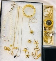 Costume Jewelry lot Vintage Crystal Necklace & ect