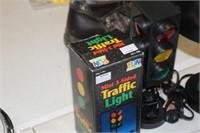 MINI TRAFFIC LIGHT & SMALL LAMP