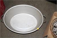 VINTAGE ALUMINUM PAN