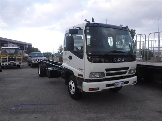 2006 Isuzu FRR 500 Raytone Trucks  - Trucks for Sale