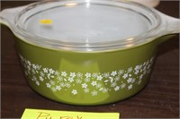PYREX CRAZY DAISY BOWL WITH LID
