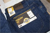 2 NEW PAIR OF MENS JEANS,33X32