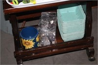 POTTING STATION AND SUPPLIES