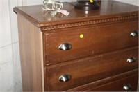 CHEST OF DRAWERS, 47X32