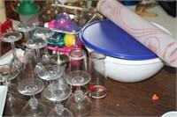 LARGE LOT OF GLASSES,BAKING DISH,BOWL,ETC