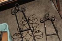 LOT OF METAL EASELS