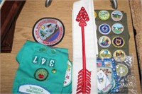GIRL SCOUT BADGES & BOX OF MISC