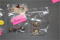 4 BAGS OF VINTAGE JEWELRY