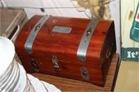 JEWELRY BOX OF JEWELRY