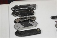LOT OF 5 SMITH AND WESSON KNIVES