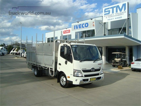 2016 Hino 300 Series 617 - Trucks for Sale