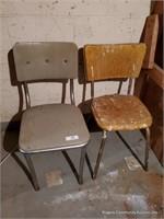 2 Chairs, Display Rack & Lamp