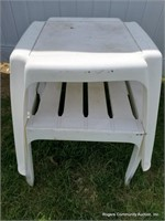 White Plastic Chairs & Plastic Stands