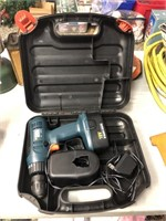 Black & Decker 18 Volt Drill w. Battery, Charger &