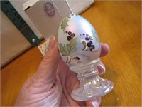 Fenton Gold & White Floral Egg