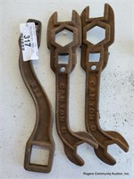 3 Primitive Wrenches