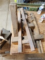 Wood Stand & Assorted Wood Pieces