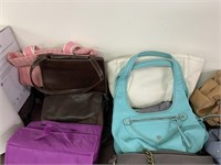 LARGE LOT OF PURSES / MIXED BRANDS