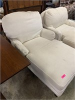 LARGE OVERSIZE CHAISE CHAIR
