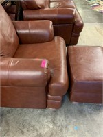 GOOD QUALITY OVERSIZED LEATHER CHAIR OTTOMAN