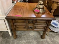 GOOD QUALITY AMERICAN OF MARTINSVILLE END TABLE W