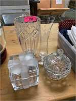 LOT OF CRYSTAL / GLASSWARE