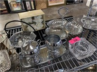 CONTENTS OF SHELF LOT OF SILVERPLATE AND MISC