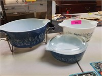 3PC PYREX COLONIAL MIST PATTERNED BOWLS & HOLDER
