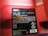New Skil 3x18 belt sander in box - nice