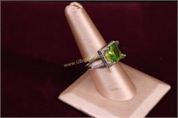 GREEN STONE COCKTAIL RING SZ.8