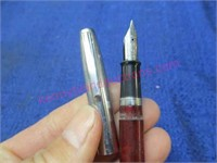 (8) vintage fountain pens