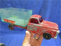 old Hubley fish hatchery toy truck (10in long)
