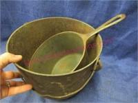 Antique bean pot & modern deep iron pot