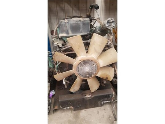 0 Volvo Engine S1302 Down2 - Parts & Accessories for Sale