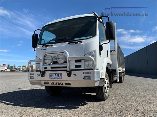 2011 Isuzu FSR - Trucks for Sale