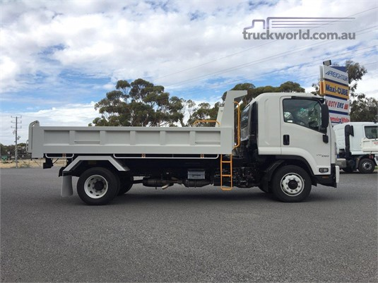 2020 Isuzu FXR - Trucks for Sale
