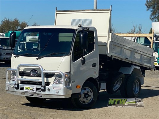 2015 Hino 300 Series 617 National Truck Wholesalers Pty Ltd - Trucks for Sale