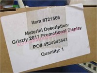 Lot of store displays (Grizzly-Marlboro-etc)