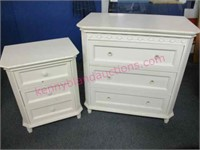 Modern white 3-drawer chest & nightstand
