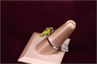GREEN STONE STERLING SILVER COCKTAIL RING SZ.8