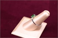 GREEN STONE STERLING SILVER RING SZ.6