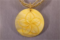 YELLOW SHELL STATEMENT NECKLACE