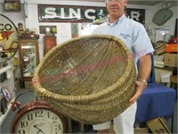 """Large """"butt"""" basket - 26in wide"""