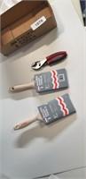 "(2) 3"" Paint Brushes & Pliers"